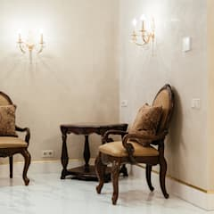 Квартира в Сокольниках: Коридор и прихожая в . Автор – Студия текстильного дизайна 'Времена года', Классический