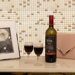 Bar Area:  Wine cellar by De Panache  - Interior Architects,Modern
