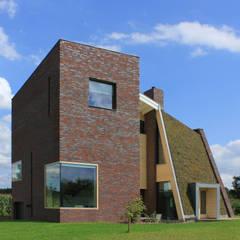 Zonnekracht woning:  Passiefhuis door marcus architecten, Modern