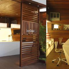 Loja Sustentável no Casa Cor Rio: Escritórios e Espaços de trabalho  por Viviane Cunha Arquitectura,Minimalista