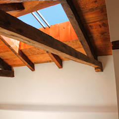 Gable roof by Valdez Arquitectos , Rustic