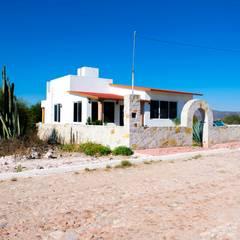 Casa Yextho: Casas de campo de estilo  por Ing Arq Brenda Sanchez, Moderno