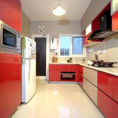 Armarios de cocinas de estilo  por HomeLane.com, Moderno