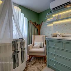 Nursery/kid's room by Arquiteta Raquel de Castro, Country