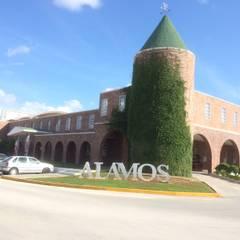 Colegio Álamos Cancún  : Estudios y oficinas de estilo  por CESAR MONCADA S, Escandinavo