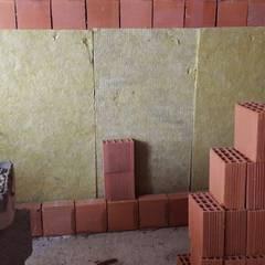 ASK MİMARLIK İNŞAAT – Menderes Çınar Apartmanı - 2017:  tarz Duvarlar, Modern
