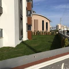 ASK MİMARLIK İNŞAAT – Menderes Çınar Apartmanı - 2017:  tarz Ön avlu, Modern