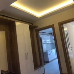 ASK MİMARLIK İNŞAAT – Dinç apartmanı - 2019:  tarz Koridor ve Hol, Minimalist