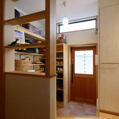 あそびごころの家 戸建リノベーション: 池田デザイン室(一級建築士事務所)が手掛けた廊下 & 玄関です。,オリジナル