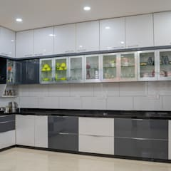 Kitchen units by Nabh Design & Associates, Modern Glass