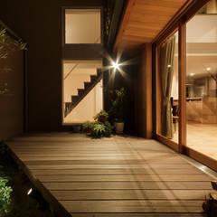 囲みの家 オリジナルデザインの テラス の FOMES design オリジナル