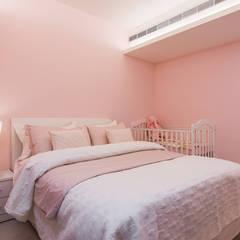 Girls Bedroom by 你你空間設計, Modern Wood-Plastic Composite