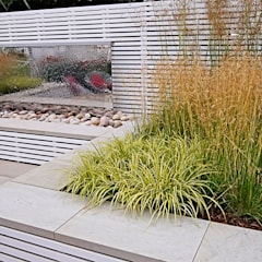 Medium garden design by Jonathan Mark Garden Design Modern Wood Wood effect