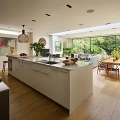 وحدات مطبخ تنفيذ Interia , حداثي خشب Wood effect