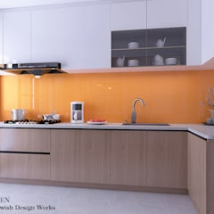 Sumang Lane:  Built-in kitchens by Swish Design Works,Modern Plywood