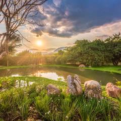 Garden Pond by Lopez Duplan Arquitectos, Modern