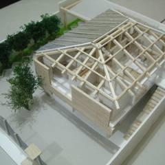 MAQUETAS  ARQUITECTÓNICAS: Casas de madera de estilo  por EFRAÍN GUTIÉRREZ, Moderno Derivados de madera Transparente