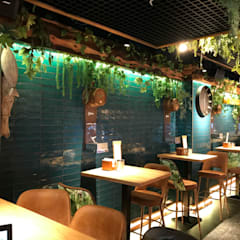RESTAURANTE MAMAGUAJA: Locales gastronómicos de estilo  de CANO Carpintería, Moderno