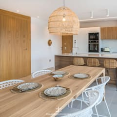 Built-in kitchens by Francisco Pomares Arquitecto / Architect, Mediterranean Wood Wood effect