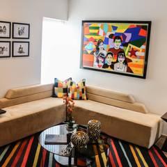 Proyecto OT: Salas de entretenimiento de estilo  por Mario Ramos, Moderno