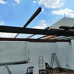 Roof terrace by Espacios Mas Iluminados, Minimalist Iron/Steel