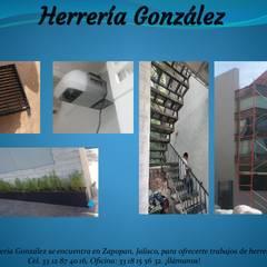 โรงรถสำเร็จรูป โดย herrería gonzalez, ชนบทฝรั่ง โลหะ