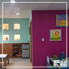 Consultorio Pediátrico Clínica de Mérida: Clínicas / Consultorios Médicos de estilo  por RM Diseño de interiores, Moderno