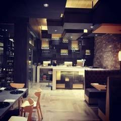 Hoteles de estilo minimalista de DISEÑOS O CARBALLO Minimalista