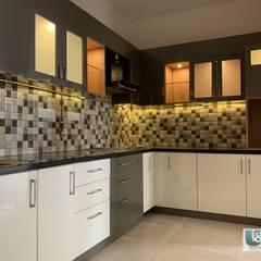 L shape Kitchen: modern  by U and I Designs,Modern