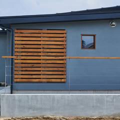 Oami Structure: tai_tai STUDIOが手掛けた木造住宅です。,ラスティック 木 木目調