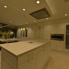 Built-in kitchens by Desarrollo y Estudio Ardeco s.l., Classic