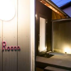 la-rocco: 風景のある家.LLCが手掛けた木造住宅です。,モダン 木 木目調