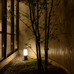 Jardines zen de estilo  por 風景のある家.LLC , Moderno Madera Acabado en madera