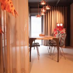 flexibele showroom CANTOR circulair meubilair.:  Kantoor- & winkelruimten door interior for tomorrow, Modern