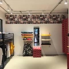 KALYA İÇ MİMARLIK \ KALYA INTERIOR DESIGN – Supreme Mağazası:  tarz Dükkânlar, Modern Metal