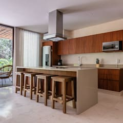 Built-in kitchens by Blue Sky, Tropical Concrete