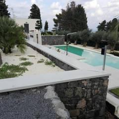 Pool by FERRO ENGINEERING SRL, Minimalist Reinforced concrete