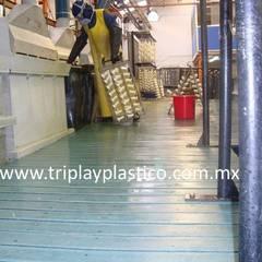 by Triplay Plástico Industrial پلاسٹک