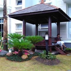 Hoteles de estilo minimalista de Tukang Taman Surabaya - flamboyanasri Minimalista