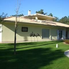 Villas by GPR - ENGENHARIA LDA, Classic