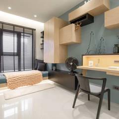 Estudios y oficinas estilo escandinavo de 衍相室內裝修設計有限公司 Escandinavo