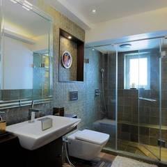 4bhk Residence, Grant Road:  Bathroom by SPACE DESIGN STUDIOS,Modern