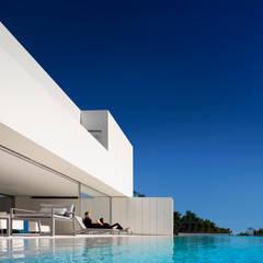 Pool by FRAN SILVESTRE ARQUITECTOS, Minimalist