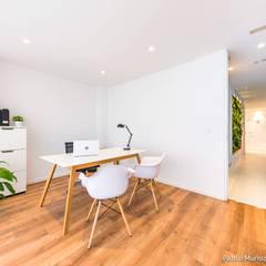 Gabinete Veintiuno: Estudios y despachos de estilo  de Pablo Muñoz Payá Arquitectos, Minimalista Madera Acabado en madera