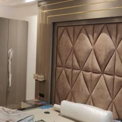 Kleine slaapkamer door AJ Atelier Architects, Modern Glas