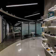 Offices & stores by 亚卡默设计 Akuma Design , Industrial کنکریٹ