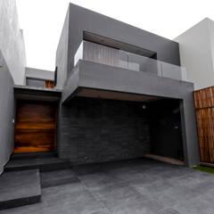 Multi-Family house by ARKE DISEÑO Y CONSTRUCCION, Minimalist