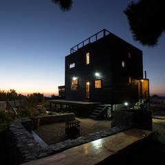 منزل خشبي تنفيذ Irene Escobar Doren, تبسيطي خشب Wood effect