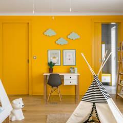 Girls Bedroom by Q2Design, Modern
