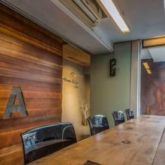 榮獲IF設計獎-【辦公空間】亞卡默設計辦公室 根據 亚卡默设计 Akuma Design 工業風 塑木複合材料